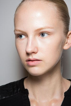 JW-Anderson-beauty-spring-2016-fashion-show-the-impression-040