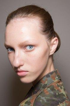Jil-Sander-backstage-beauty-spring-2016-close-up-fashion-show-the-impression-057