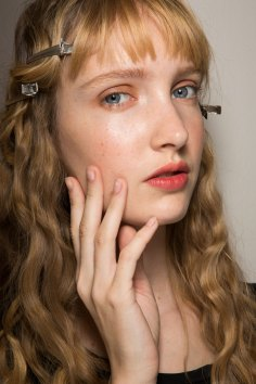 Lemaire-spring-2016-beauty-fashion-show-the-impression-26