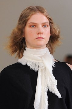 Lemaire-spring-2016-runway-beauty-fashion-show-the-impression-04