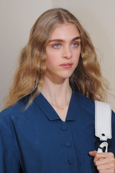 Lemaire-spring-2016-runway-beauty-fashion-show-the-impression-09