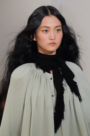 Lemaire-spring-2016-runway-beauty-fashion-show-the-impression-13