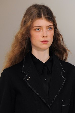 Lemaire-spring-2016-runway-beauty-fashion-show-the-impression-27