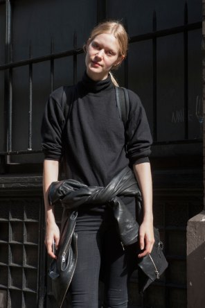 London-Fashion-Week-Street-Style-Day-1-spring-2016-the-impression-004