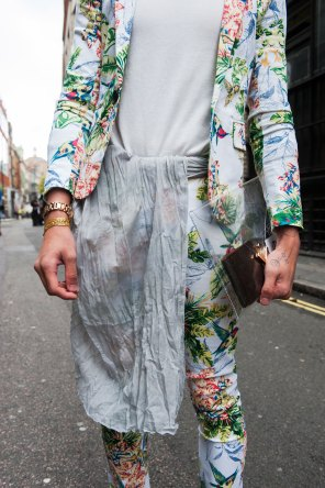 London-Fashion-Week-Street-Style-Day-1-spring-2016-the-impression-020