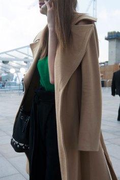 London-fashion-week-street-Style-Day-3-spring-2016-fashion-show-the-impression-021