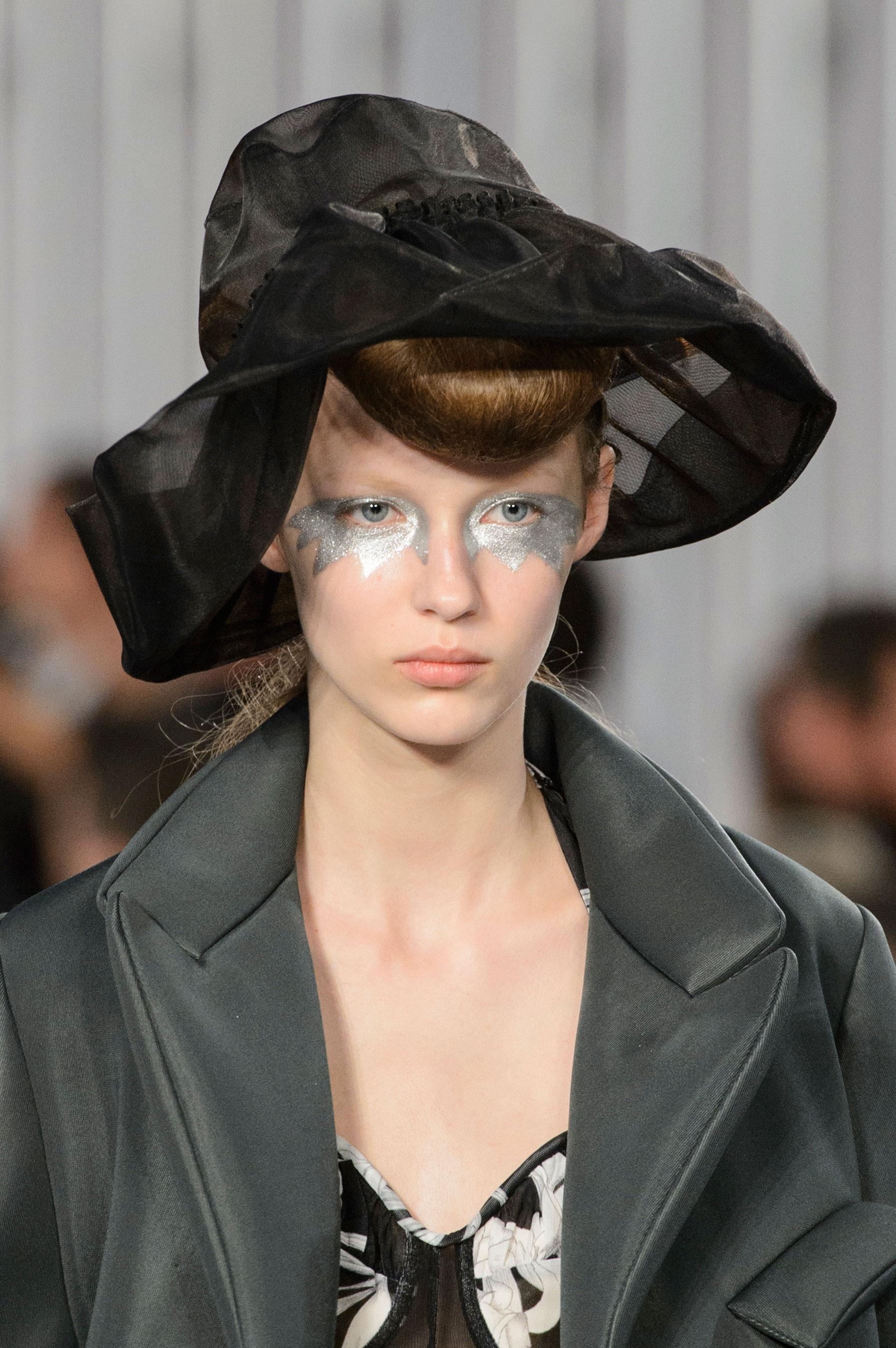 Maison-Margiela-spring-2016-runway-beauty-fashion-show-the-impression-015
