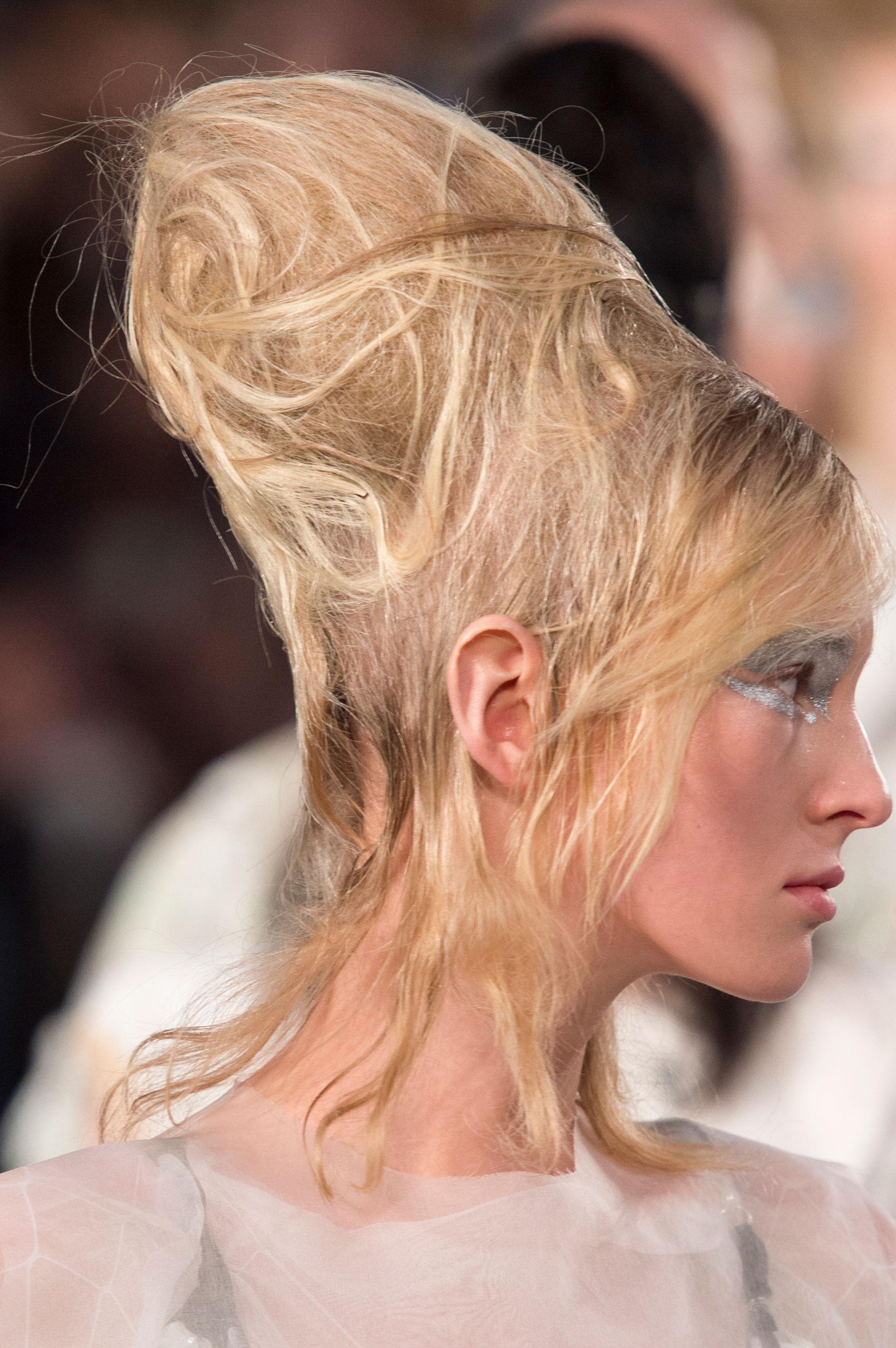 Maison-Margiela-spring-2016-runway-beauty-fashion-show-the-impression-059
