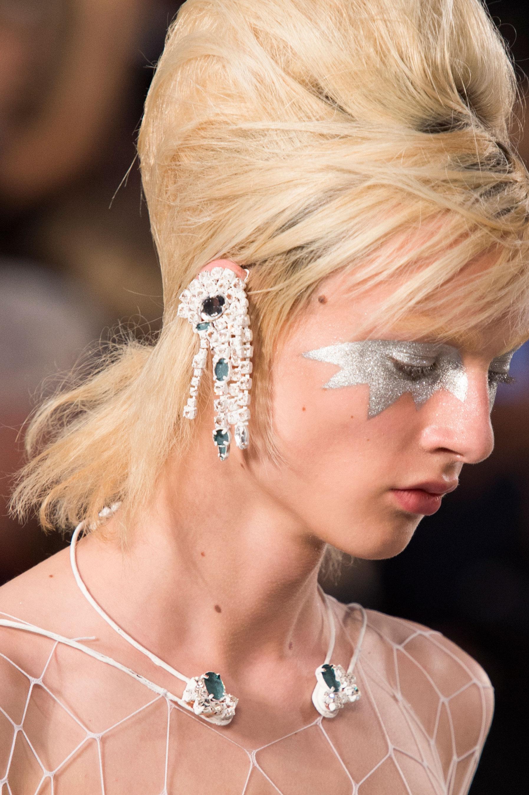 Maison-Margiela-spring-2016-runway-beauty-fashion-show-the-impression-072