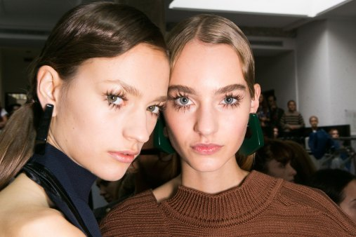 Marni-backstage-beauty-spring-2016-fashion-show-the-impression-041