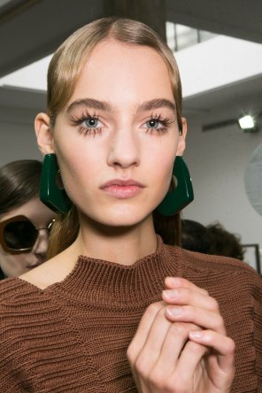 Marni-backstage-beauty-spring-2016-fashion-show-the-impression-045