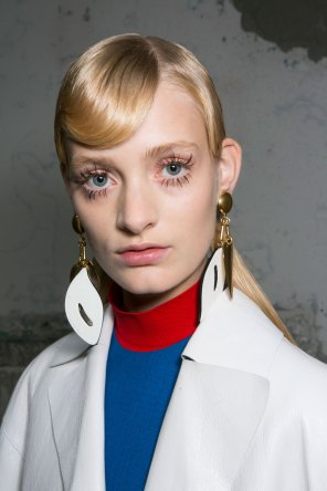Marni-backstage-beauty-spring-2016-fashion-show-the-impression-048