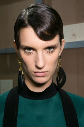 Marni-backstage-beauty-spring-2016-fashion-show-the-impression-050
