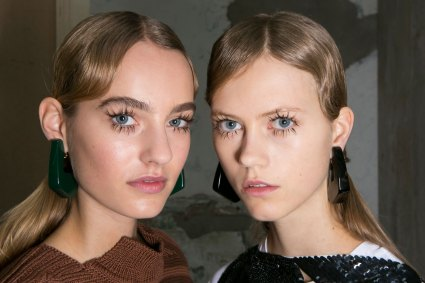 Marni-backstage-beauty-spring-2016-fashion-show-the-impression-057