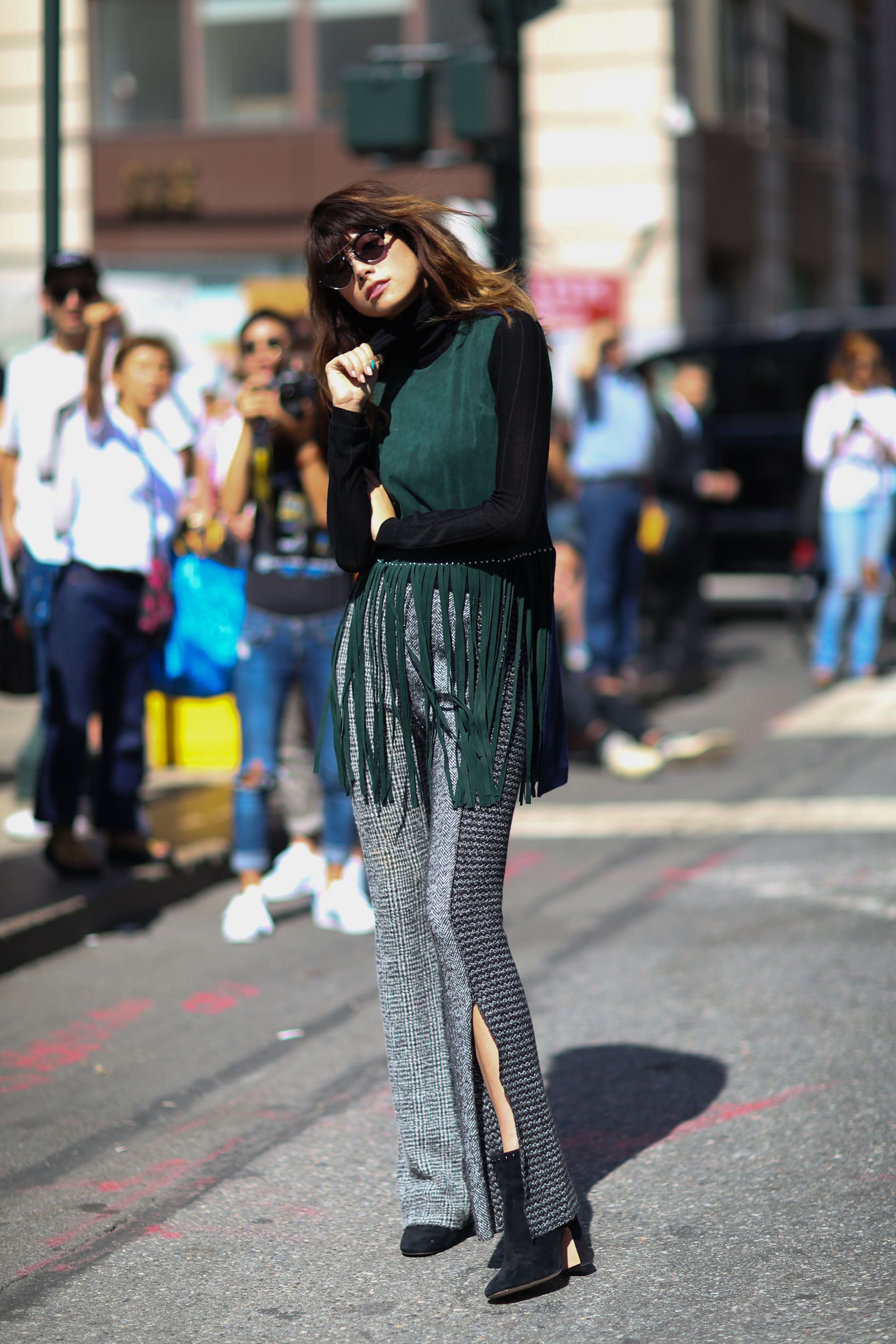NEW-YORK-FASHION-WEEK-STREETS-STYLE-DAY5-spring-2016-fashion-show-the-impression-21