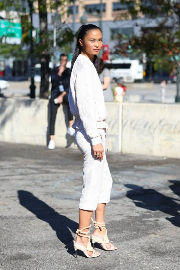 NEW-YORK-FASHION-WEEK-STREETS-STYLE-DAY5-spring-2016-fashion-show-the-impression-37