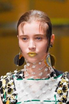 Prada-spring-2016-runway-beauty-fashion-show-the-impression-037