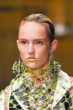 Prada-spring-2016-runway-beauty-fashion-show-the-impression-045