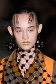 Prada-spring-2016-runway-beauty-fashion-show-the-impression-077