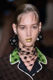 Prada-spring-2016-runway-beauty-fashion-show-the-impression-078