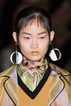 Prada-spring-2016-runway-beauty-fashion-show-the-impression-117