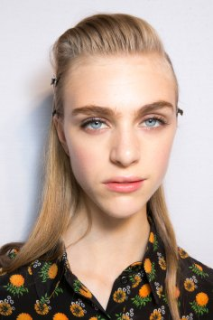 Roberto-Cavalli-Backstage-beauty-spring-2016-close-up-fashion-show-the-impression-015