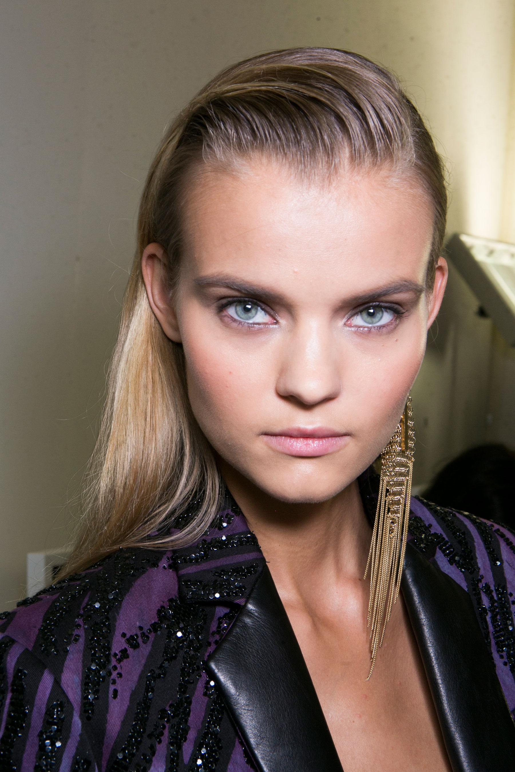 Roberto-Cavalli-Backstage-beauty-spring-2016-close-up-fashion-show-the-impression-051