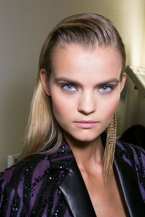 Roberto-Cavalli-Backstage-beauty-spring-2016-close-up-fashion-show-the-impression-051