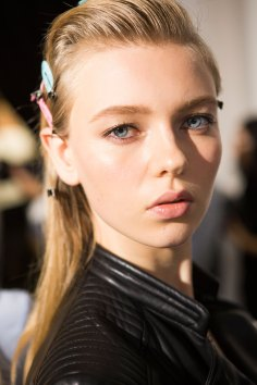 Roberto-Cavalli-Backstage-beauty-spring-2016-close-up-fashion-show-the-impression-075