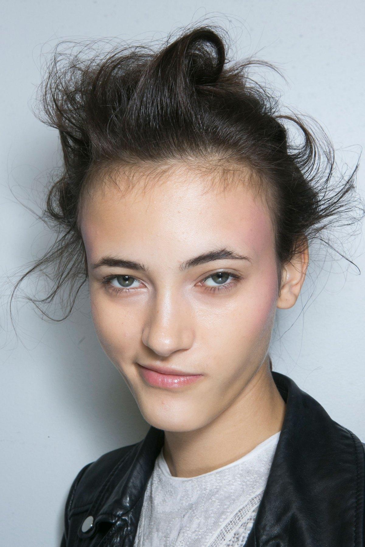 SIMONE-ROCHA-beauty-spring-2016-fashion-show-the-impression-015