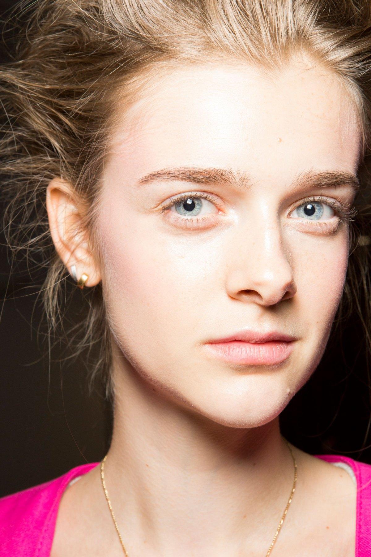 SIMONE-ROCHA-beauty-spring-2016-fashion-show-the-impression-042