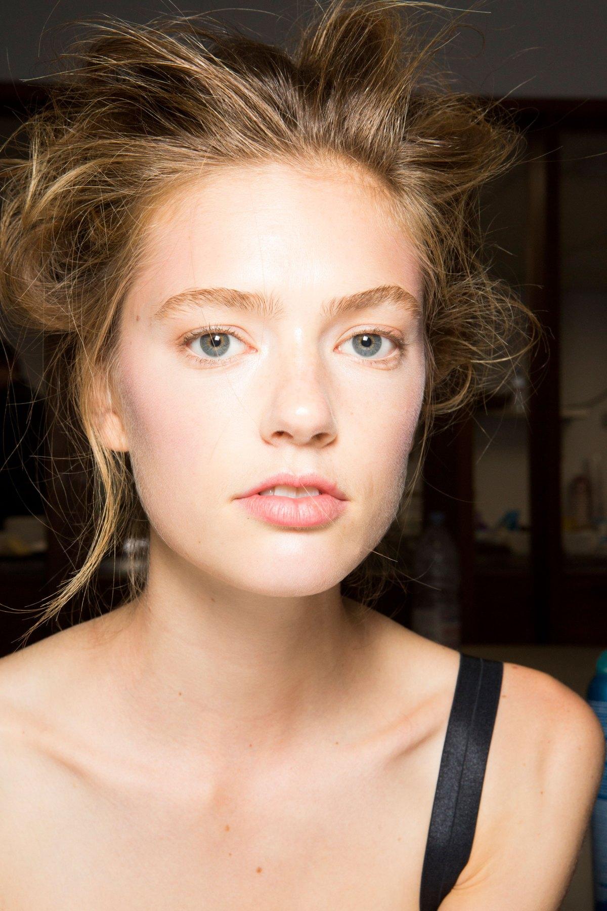 SIMONE-ROCHA-beauty-spring-2016-fashion-show-the-impression-049