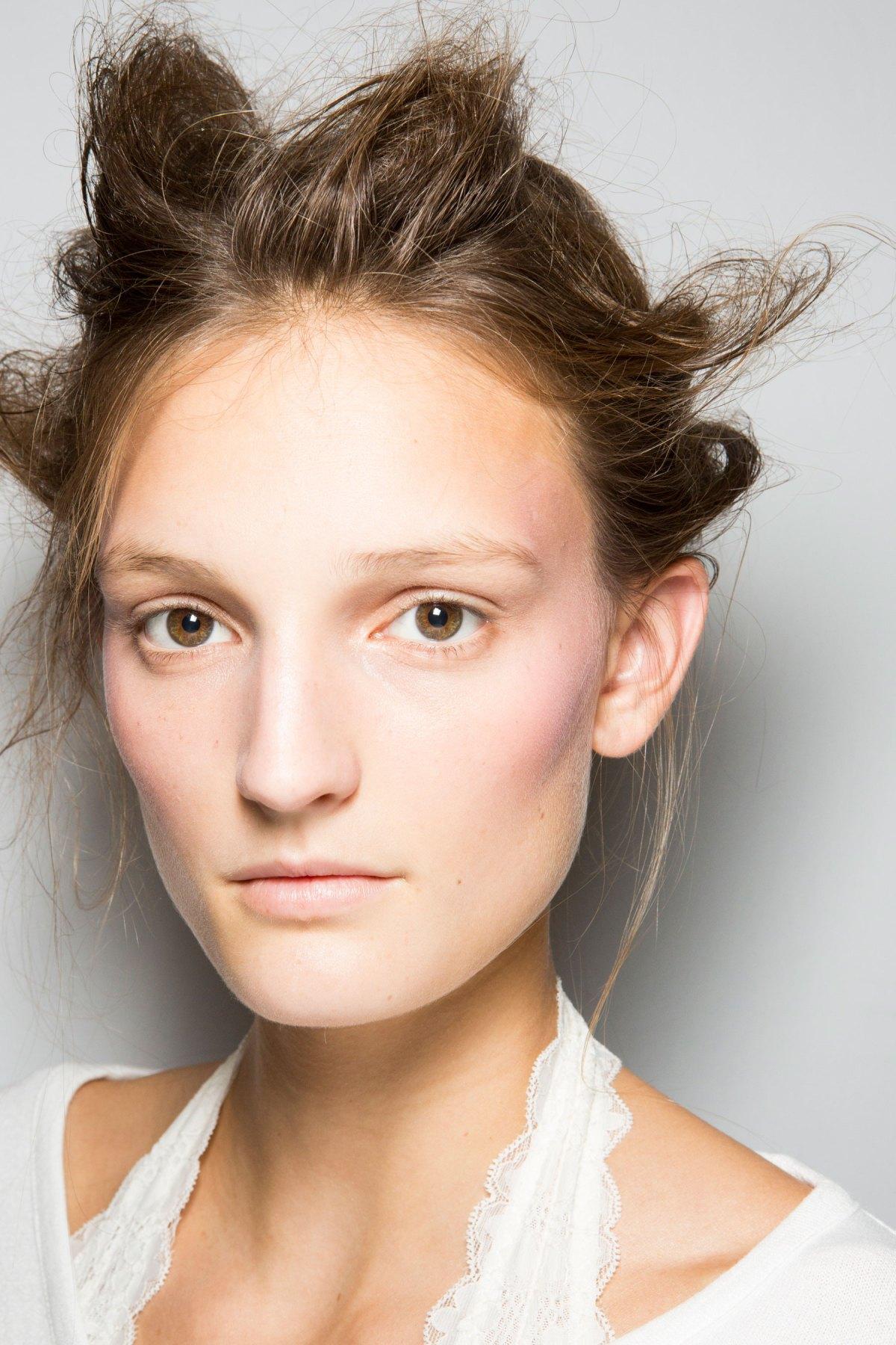 SIMONE-ROCHA-beauty-spring-2016-fashion-show-the-impression-053