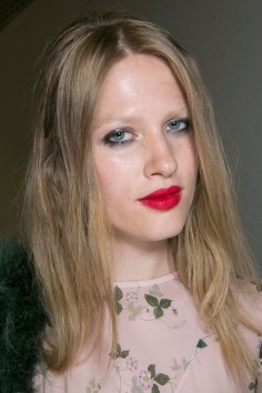 Topshop-Unique-beauty-spring-2016-fashion-show-the-impression-054