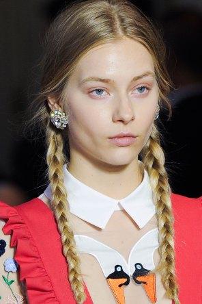 Vivetta-spring-2016-runway-beauty-fashion-show-the-impression-16
