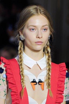 Vivetta-spring-2016-runway-beauty-fashion-show-the-impression-17