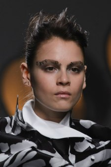 aganovich-spring-2016-runway-beauty-fashion-show-the-impression-03