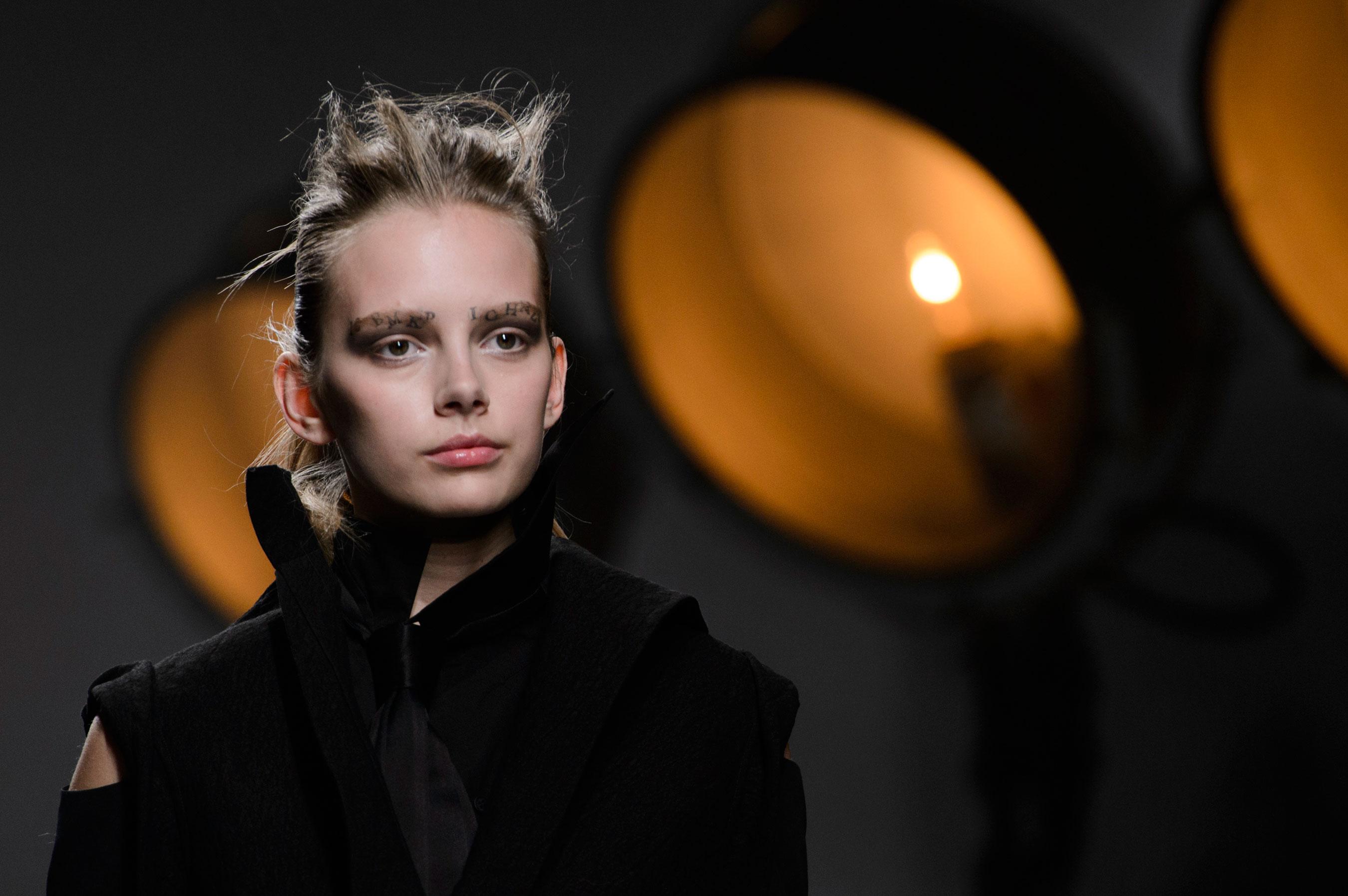 aganovich-spring-2016-runway-beauty-fashion-show-the-impression-17