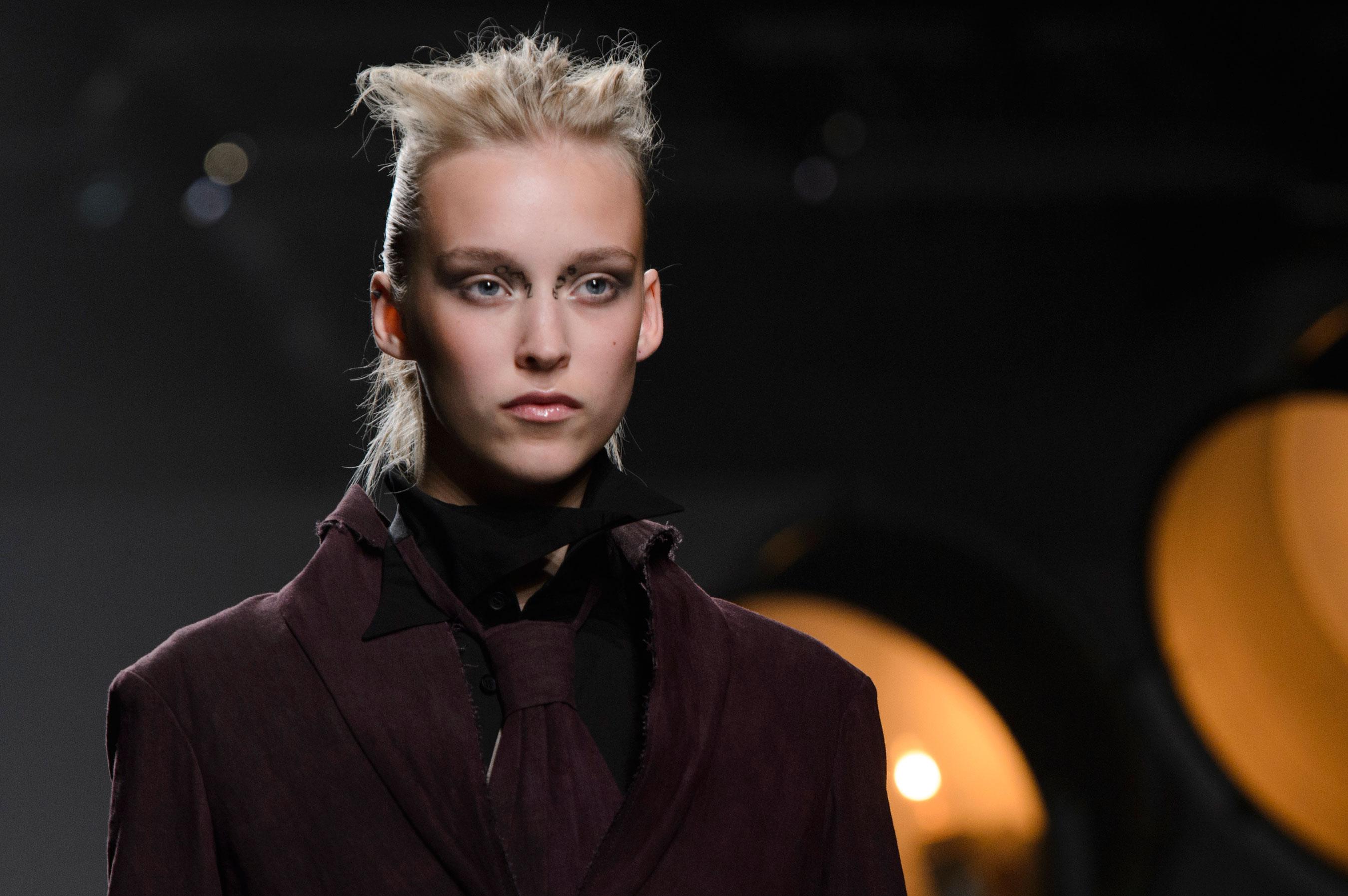aganovich-spring-2016-runway-beauty-fashion-show-the-impression-20