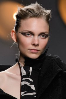 aganovich-spring-2016-runway-beauty-fashion-show-the-impression-24