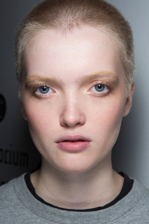 anthony-vaccarello-spring-2016-beauty-fashion-show-the-impression-09