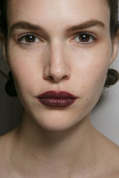 burberry-spring-2016-beauty-fashion-show-the-impression-09
