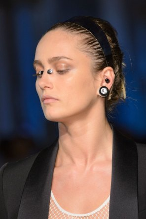 givenchy-runway-beauty-spring-2016-fashion-show-the-impression-15