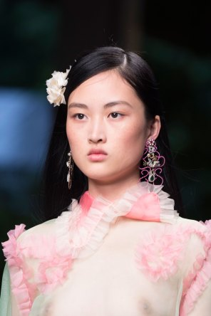 gucci-beauty-spring-2016-fashion-show-the-impression-006