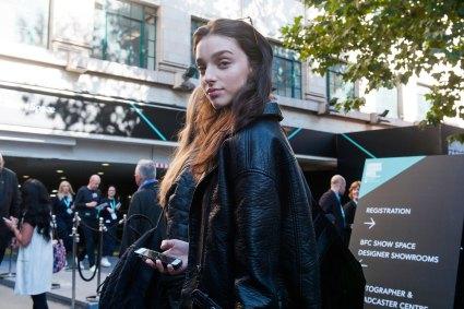 london-fashion-week-street-style-day-2-spring-2016-fashion-show-the-impression-001