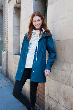 london-fashion-week-street-style-day-2-spring-2016-fashion-show-the-impression-005