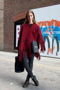 london-fashion-week-street-style-day-2-spring-2016-fashion-show-the-impression-035