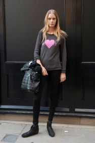 london-fashion-week-street-style-day-2-spring-2016-fashion-show-the-impression-042