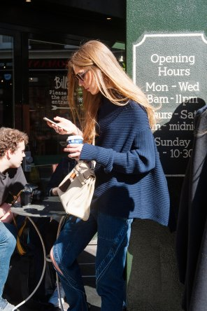 london-fashion-week-street-style-day-2-spring-2016-fashion-show-the-impression-080
