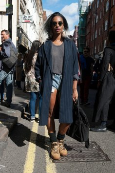 london-fashion-week-street-style-day-2-spring-2016-fashion-show-the-impression-084